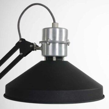 Zappa Tafellamp van Anne Lighting   Stoer, robuust en industrieel   Het pronkstuk op jouw bureau!   www.homeseeds.nl