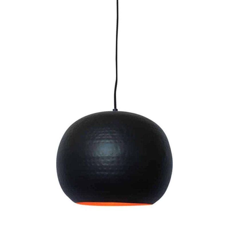 Hippe hanglamp Artisan zwart van metaal met koperen binnenzijde voor een mooi sfeervol licht   verkrijgbaar in drie kleuren en twee formaten   www.homeseeds.nl