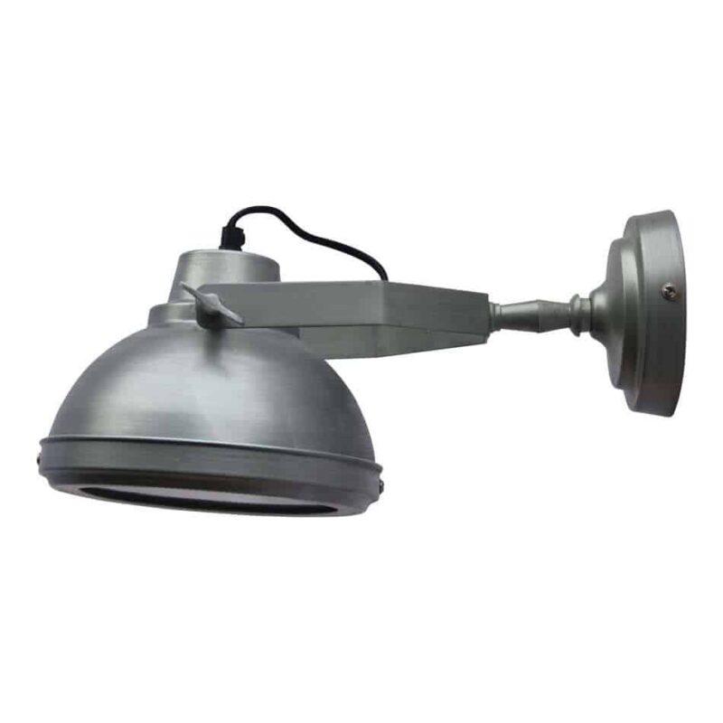 Deze wandlamp Factory is een super vette industriële lamp die zowel aan het plafond als aan de wand bevestigd kan worden | www.homeseeds.nl