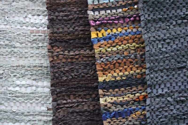 Verschillende geknoopte tapijten van leer | www.homeseeds.nl