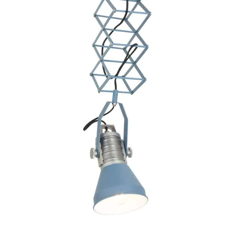 Anne Brusk Scissors Ontzettend originele hanglamp van Anne Lighting, een echte eye catcher in je interieur!   Helemaal naar de door jouw gewenste hoogte in te stellen   Verkrijgbaar in antraciet en blauw   www.homeseeds.nl
