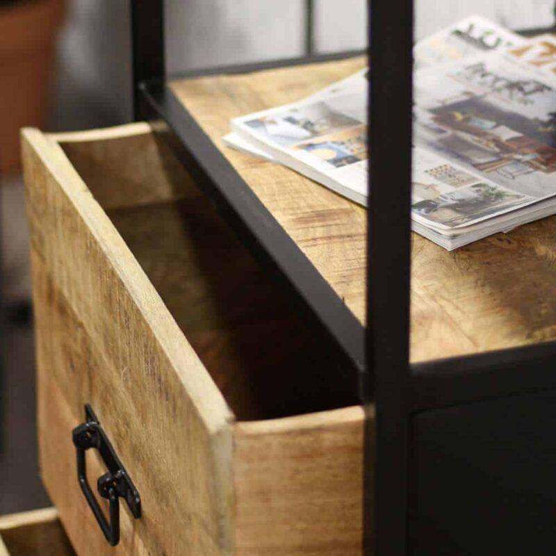 Zwart metalen Industriële open kast met mangohout robuust en stoer
